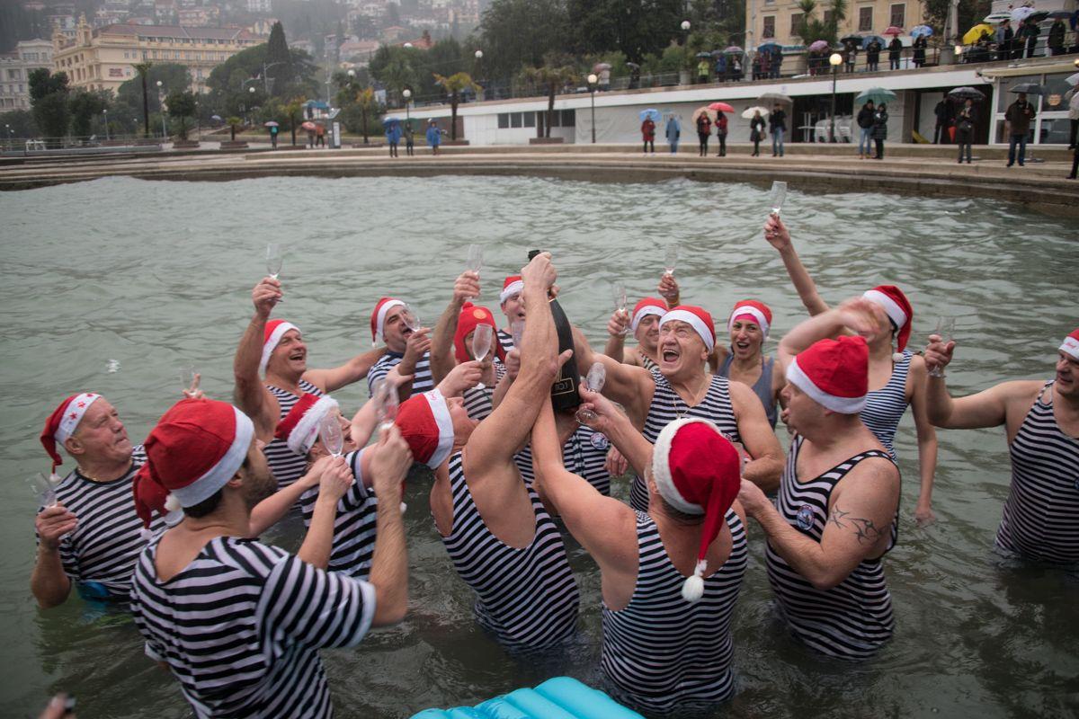 Foto Luigi Opatija, Grad Opatija, Kukali novogodišnje kupanje j
